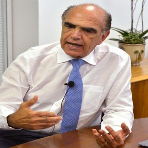 Diretor da CNI crê no retorno em junho e diz que desafio é manter empresas vivas