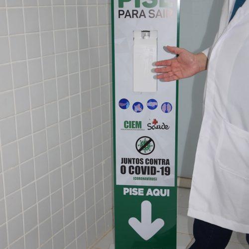 Totem com álcool em gel é alvo de vandalismo em Picos; Prefeitura lamenta ocorrido