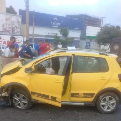 Homem morre após colidir veículo em mureta de viaduto no Piauí