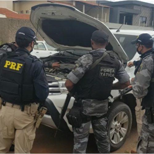 PRF e PM de Picos recuperam veículo de luxo roubado no Pernambuco
