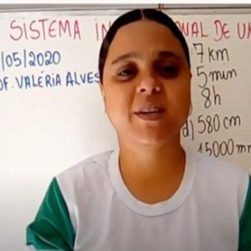 Em Paulistana, professora adapta linguagem de internet para alcançar alunos