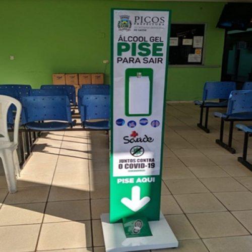 Saúde compra 10 totens de dispensação de álcool gel para distribuir em Picos