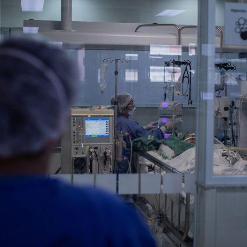 Ocupação de leitos de UTIs para a Covid-19 no HUT e HU chega a 100%, diz secretaria de saúde