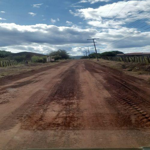 Estradas vicinais da zona rural de Picos estão sendo restauradas