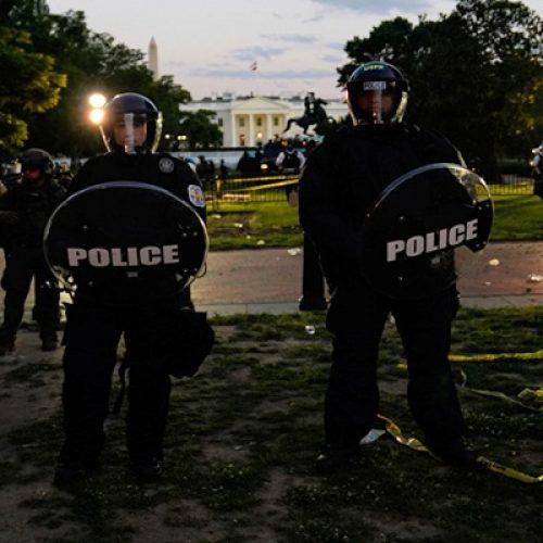 Trump foi levado a abrigo subterrâneo durante protesto em frente à Casa Branca