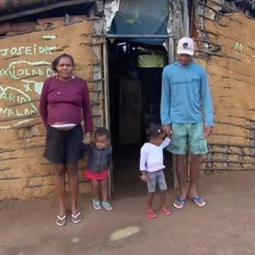 Famílias da Serra do Inácio, entre Betânia e Curral Novo, vivem sem documentos e nenhum benefício do poder público