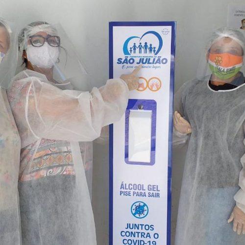 Prefeitura de São Julião instala totens de álcool em gel em pontos da cidade