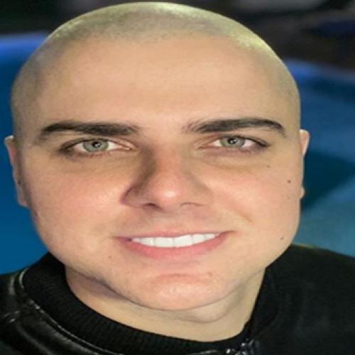 """Após contrair Covid-19 cantor Zé Neto faz apelo aos fãs: """"realmente é muito sério"""""""