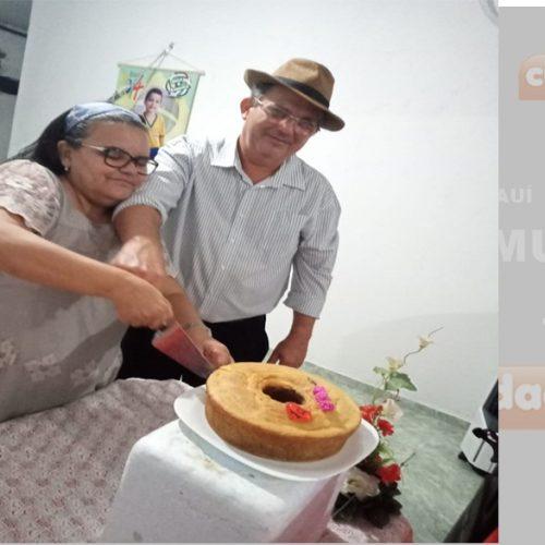 Casal comemora 39 anos de casados com drive thru de churrasco em Teresina