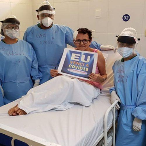 Idosa tem alta no Piauí após descobrir covid-19 antes de fazer cirurgia na cabeça