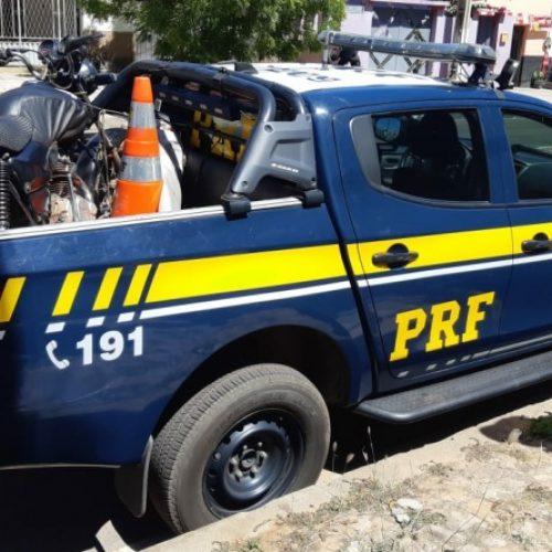 Homem é preso, em operação da PRF, por receptação de moto em Ipiranga do Piauí