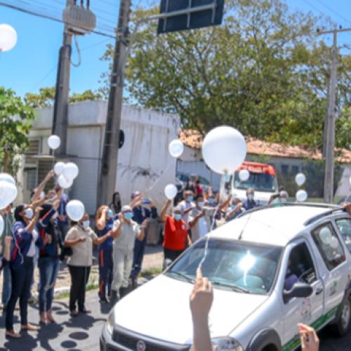 Profissionais do Samu fazem homenagem a diretor morto vítima de Covid-19