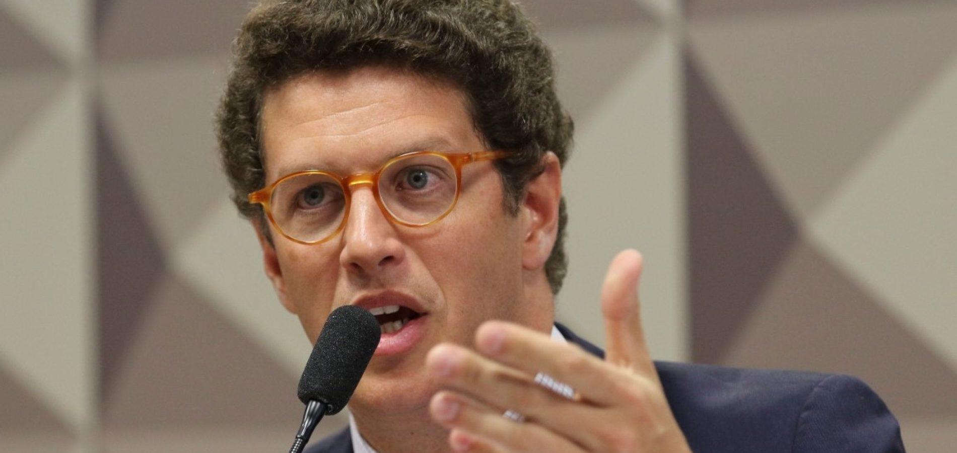MPF pede o afastamento imediato de Ricardo Salles do cargo de ministro do Meio Ambiente