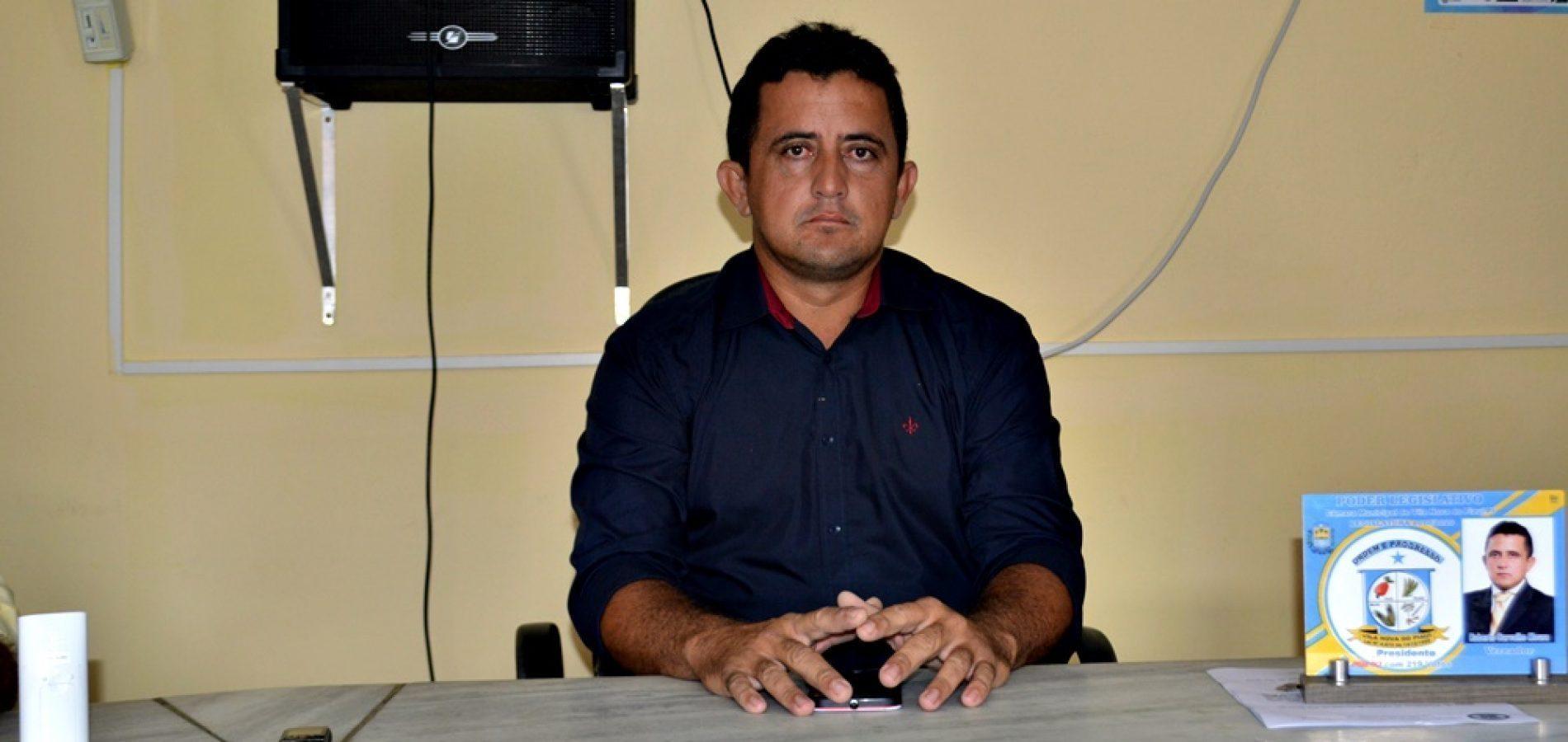 Vereador Roberto Moura solicita operação 'Tapa Buracos' na PI Jovelino Romão da Silva em Vila Nova