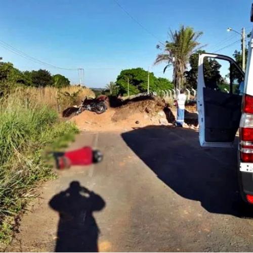 Mulher morre e filho fica gravemente ferido após acidente de moto na PI-231