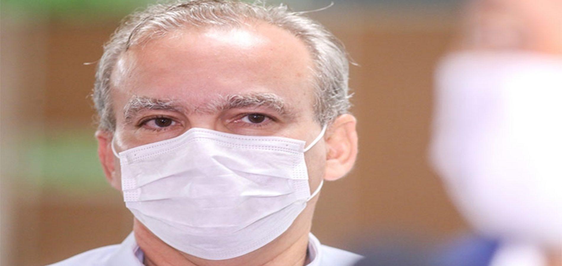 Prefeito publica decreto que exonera 2.100 comissionados