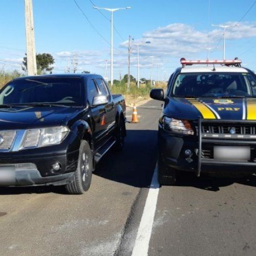 PRF recupera na BR 316 veículo utilitário tomado de assalto no estado de Pernambuco