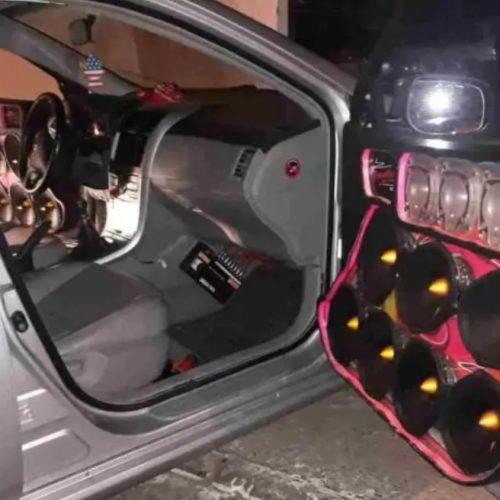 Moradores denunciam funcionamento de bar com aglomeração e som automotivo em Picos