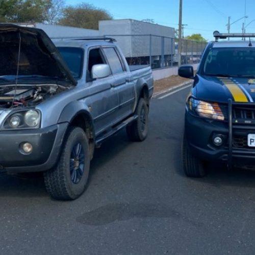 PRF recupera veículo furtado de borracharia e prende idoso em Valença do Piauí