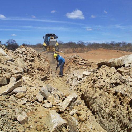 Governo retoma obra de adutora que levará água a 12 mil piauienses