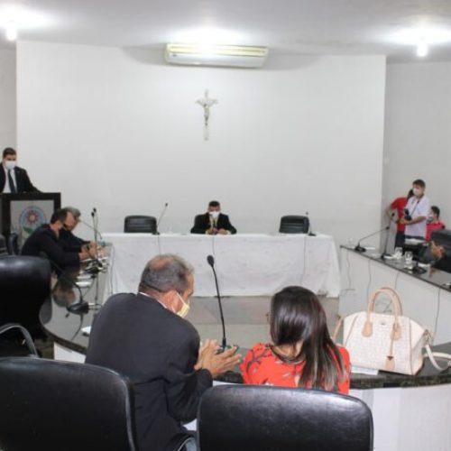 Câmara Municipal de Picos se divide entre apoio aos pré-candidatos Araujinho e Gil Paraibano