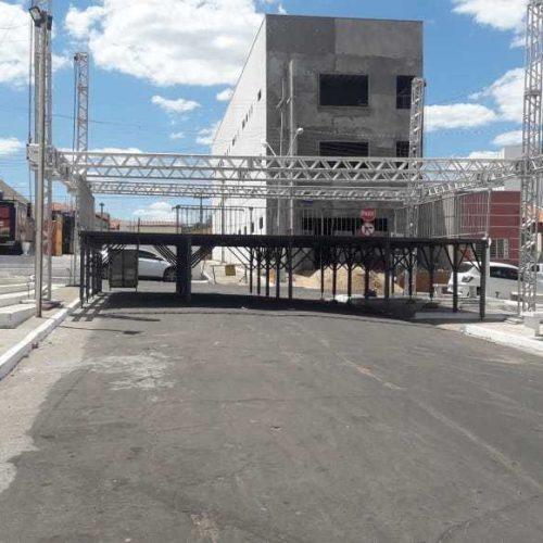 Justiça proíbe convenção em São Raimundo Nonato após 'megaestrutura' ser montada em praça