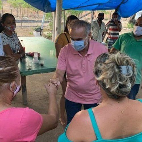 Araujinho intensifica visitas aos bairros e a zona rural de Picos