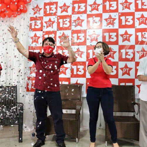 Pela mudança, Elvis e Iolanda homologam candidaturas a prefeito e vice em Ipiranga do PI