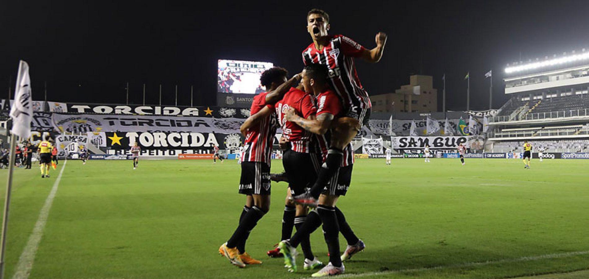Santos e São Paulo empatam clássico com dois gols de Sara e brilho de Marinho