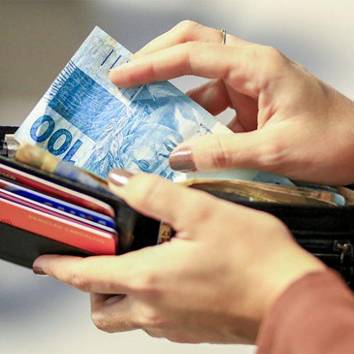 Serasa: demanda do consumidor por Crédito tem em agosto primeira alta em 6 meses