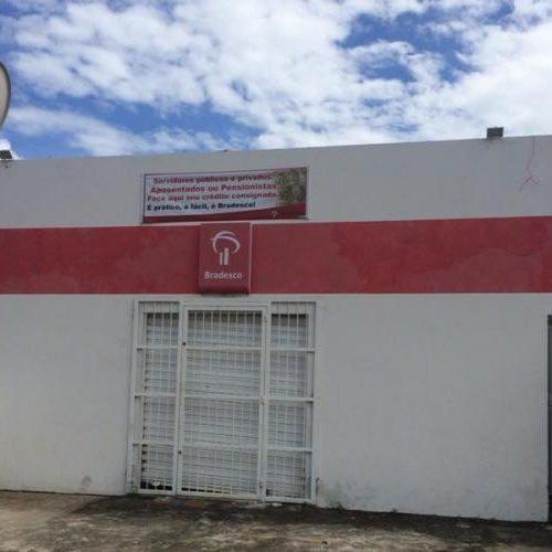 Bandidos fazem buraco na parede e invadem agência no Norte do Piauí