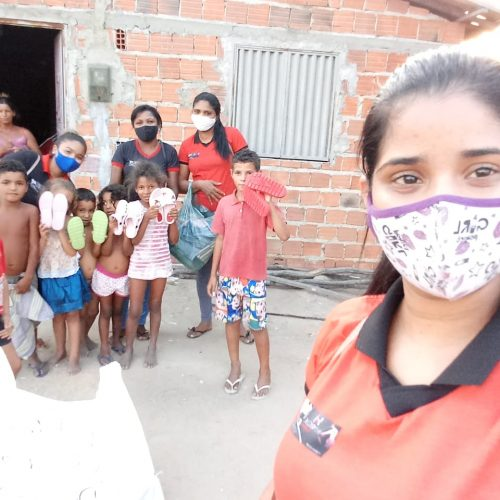 Empresa Henrique Calçados realiza ação social e entrega presentes a crianças carentes em Jaicós