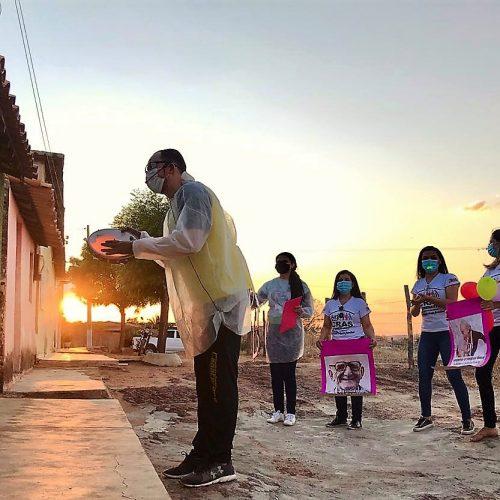 Capoterapia itinerante leva alegria e entretenimento aos idosos em Alagoinha do Piauí; fotos