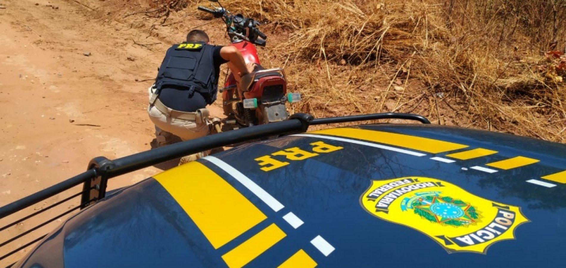 PRF apreende motocicleta e prende homem por adulteração de sinal identificador do veículo em Valença do Piauí