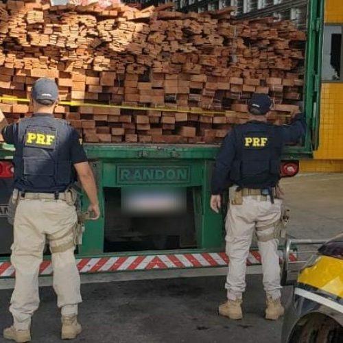 PRF apreende 29,0 m³ de madeira ilegal na BR 316 em Valença do Piauí e autua condutor por crime ambiental