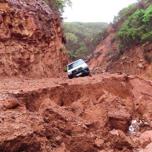 Produtores decidem recuperar estrada no Piauí por conta própria e investem cerca de 300 mil para garantir entrega da safra