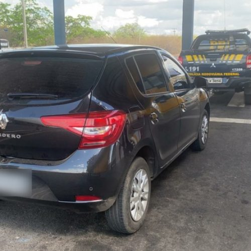PRF recupera veículo roubado de locadora e prende homem por receptação em Valença do Piauí