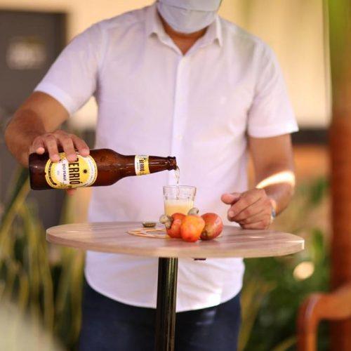 Ambev apresenta Berrió, cerveja piauiense feita a partir do caju