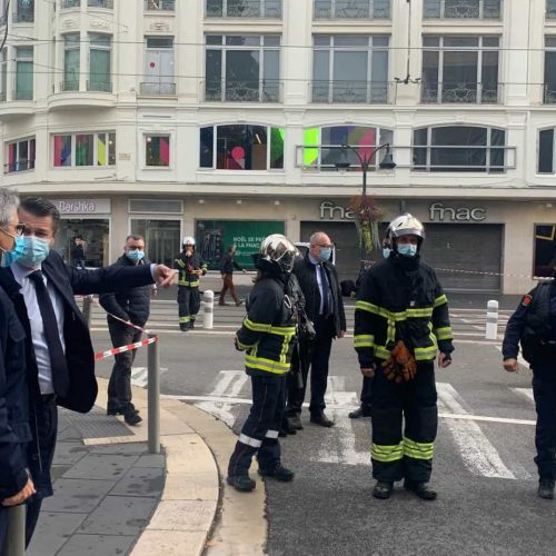 Ataque em Nice, na França, deixa deixa 03 mortos e um deles é uma brasileira
