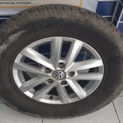Homem esfaqueia pneu de viatura policial ao levar 'fora' da ex-mulher no Norte do Piauí