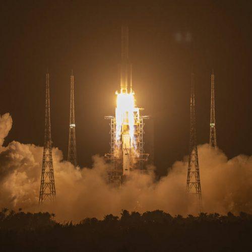 China lança missão ambiciosa para trazer rochas lunares à Terra