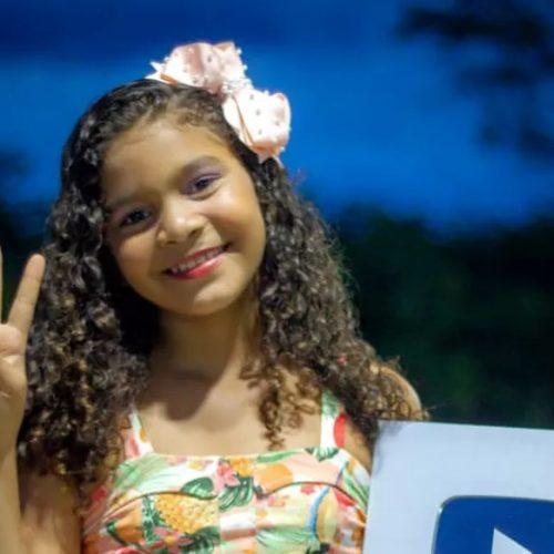 Aos 10 anos, 'vaqueirinha ostentação' do Piauí coleciona mais de 300 mil seguidores nas redes sociais