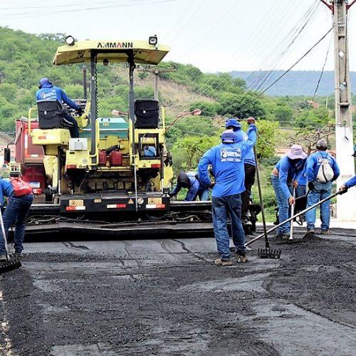 Pavimentação asfáltica inicia em Santana do Piauí e onze ruas serão contempladas; fotos