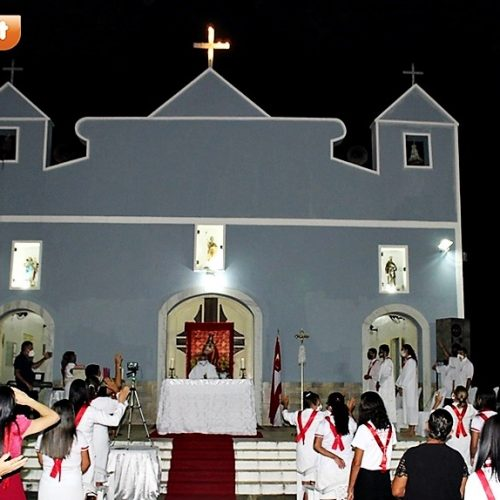 Homenagens e emoção marcam missa de despedida do Padre Manoel em Alagoinha do Piauí; fotos