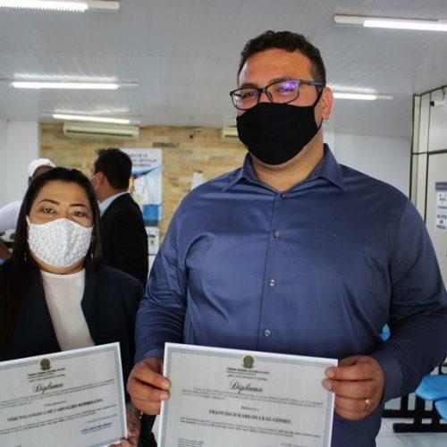 Dr. Karlão e professora Mircéia são diplomados prefeito e vice-prefeita de Santo Antônio de Lisboa; fotos