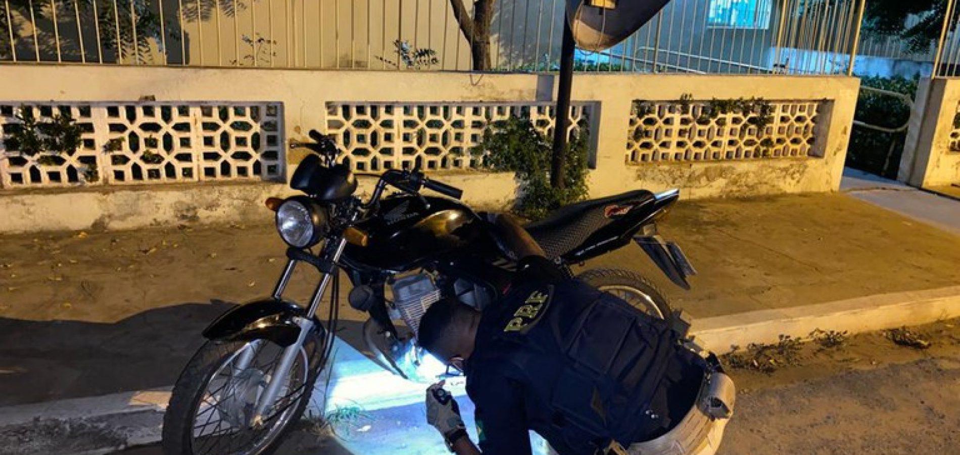 Em Valença do Piauí, condutor embriagado é preso pela PRF na BR-316 com motocicleta roubada