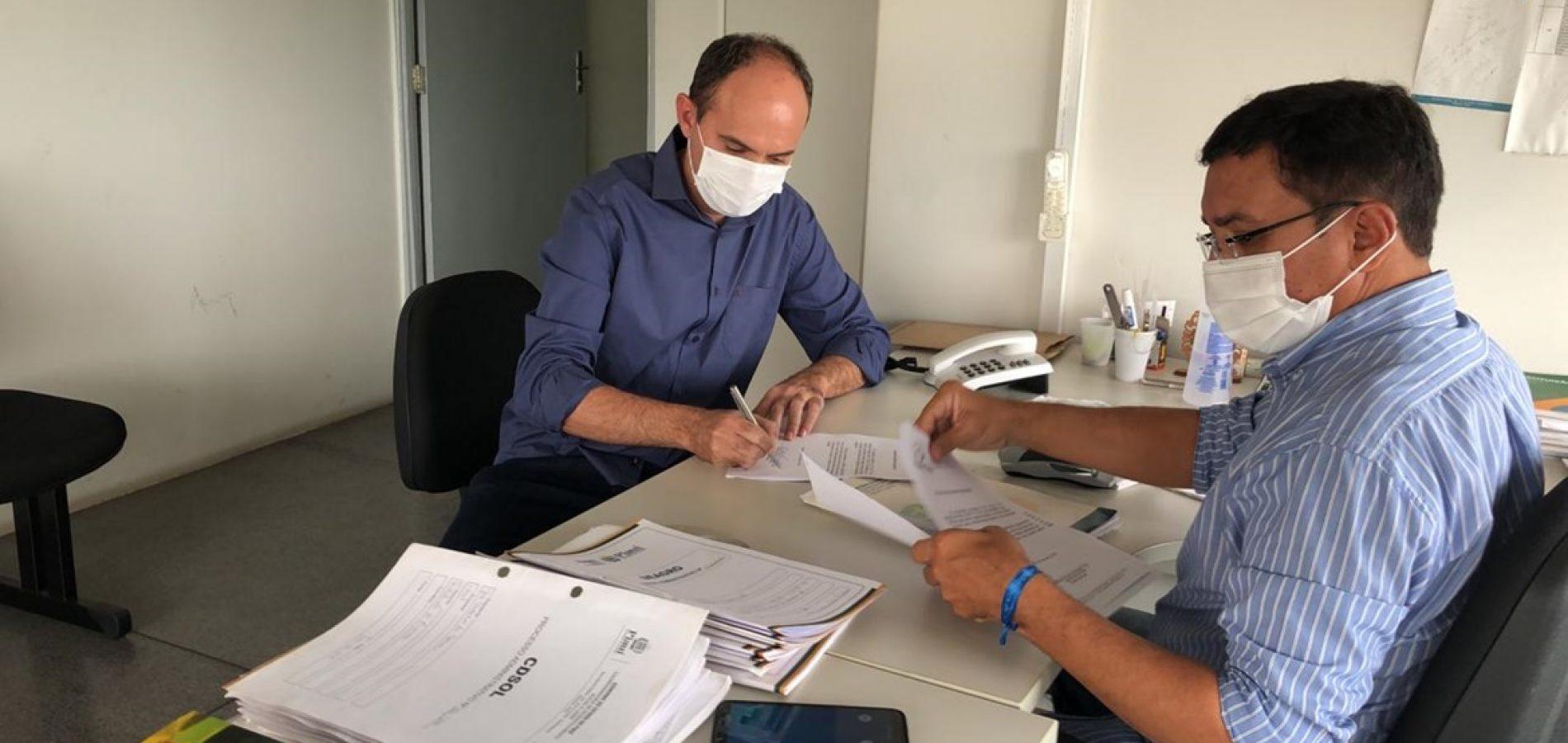 Prefeito Rivaldo garante recursos para construção de 5 mil metros de calçamento em Massapê do Piauí