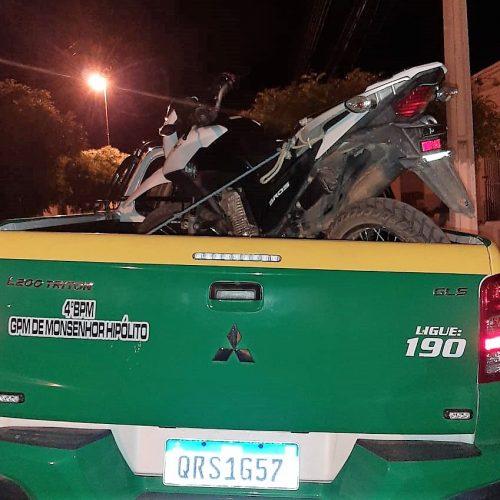 Moto roubada usada para prática de crimes é recuperada pela PM na zona rural de Monsenhor Hipólito