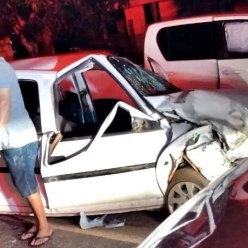 Colisão entre dois veículos deixa três pessoas feridas no Piauí