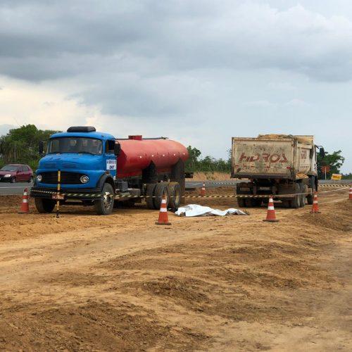 Funcionário morre esmagado por caminhão de construtora na BR-316